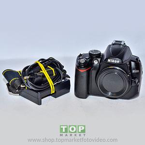 Nikon D5000 (solo corpo)