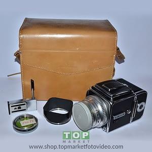 Hasselblad 500 C (solo corpo) + A12 + Planar 80 + borsa pelle
