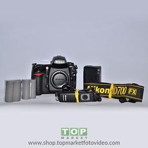Nikon D700 (solo corpo)