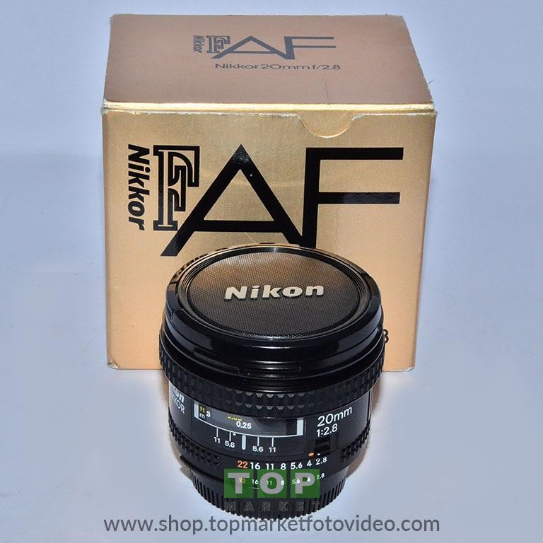 27689 Nikon Obiettivo AF 20mm f/2,8 + HB4