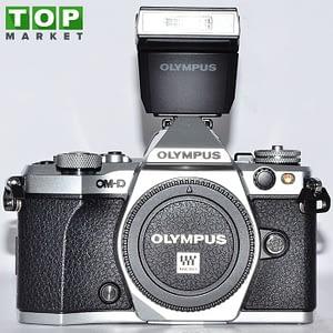 Olympus OM-D EM-5 MkII (solo corpo) + FL-LM3 Flash